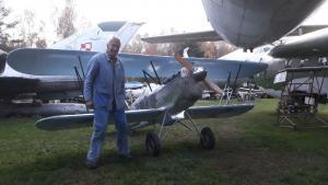 Avia B-534 (K. Tarantík u svého výtvoru)