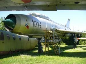 Su-7U